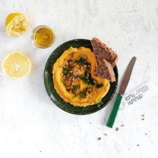 Hummus z pieczoną marchewką i imbirem